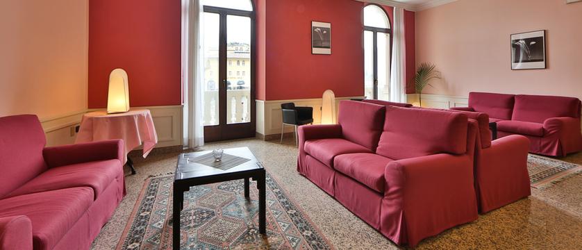 Hotel Europa Lounge.jpg